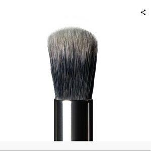 Anastasia Beverly Hills A6 Pro Brush – Buff Blend